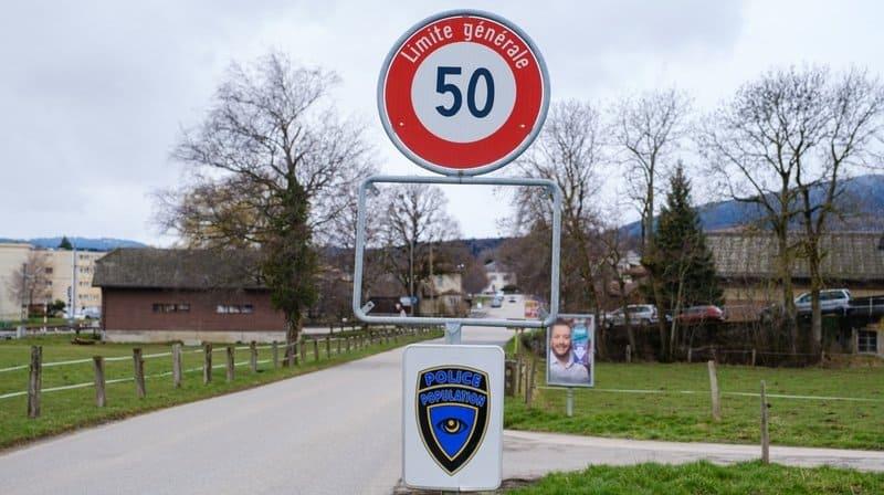 A l'entrée du village de Bière, en venant de Ballens, un panneau a été dérobé. CÉDRIC SANDOZ