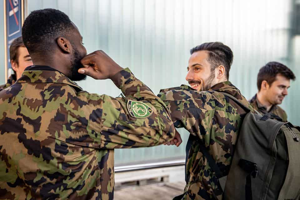 Promotion de l'armée : Et si l'école de recrues devenait un échange linguistique ?
