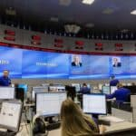 """La salle centrale de gestion de crise russe, à laquelle l'OIPC et divers """"centres humanitaires"""" sont connectés"""