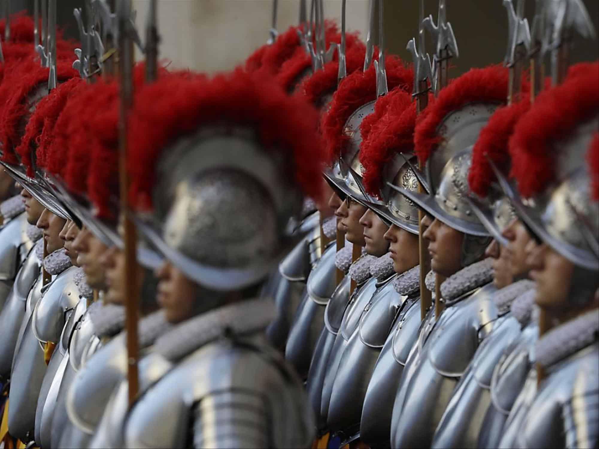 Vatican : Trente-huit nouveaux gardes du pape assermentés